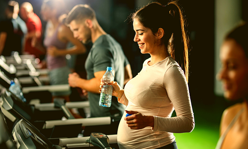 can i walk on treadmill while pregnant